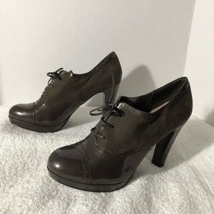 TAHARI OXFORD STYLE NAME AGENT SHOES SZ 7.5 WOMEN